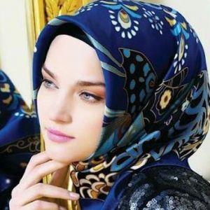 برای جلوگیری از سرخوردن روسری از چه روش هایی استفاده کنیم