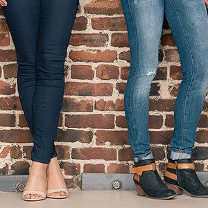 با شلوار جین زنانه چه کفشی بپوشیم؟