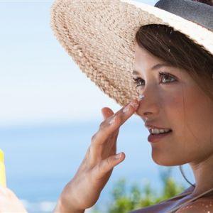 ۱۰ نکته ساده اما مهم برای مراقبت از پوست در سفر