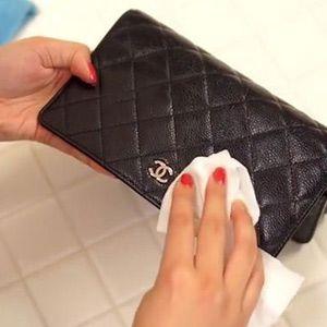 چگونه کیف چرم را تمیز کنیم؟