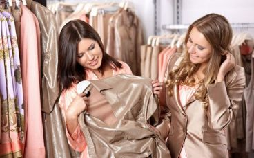 چگونه لباس بپوشيم تا هميشه شيك به نظر برسيم؟